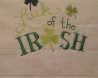 """double kitchen towel St. Pats """"luck of the Irish"""" shamrock border crocheted green top Pattern one side only"""