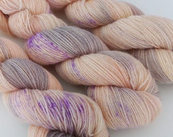 100g Best silk lingerie Fabulous Four base: a blend of British Alpaca, Masham, Romney lambswool + Bluefaced Leicester. Fingering weight 2ply