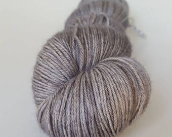 Skein of superwash Merino Wool / Nylon - Fingering / Sock hand - dyed color ash