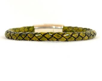 10% Off Green Braided Leather Bracelet with Magnetic Clasp  (5R-501)
