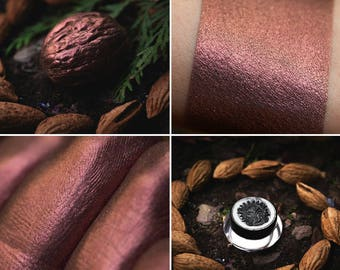 Eyeshadow:  Sorcerers from Walnut Forest - Druidess. Red-brown satin eyeshadow by SIGIL inspired.