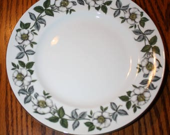 Majestic Choice Staffordshire Fine Bone China Plate- White Floral Pattern, Made In England
