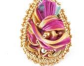 Bague ruban de soie Shibori mordorée,mauve et perles de verre dorées