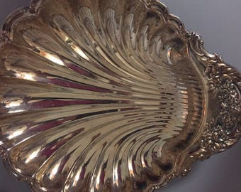 Silverplate Shell Dish // LARGE Silver Scalloped  Dish, Tray // Clam Serving Plate, Dish, Tray // Buffet Table, Event Decor