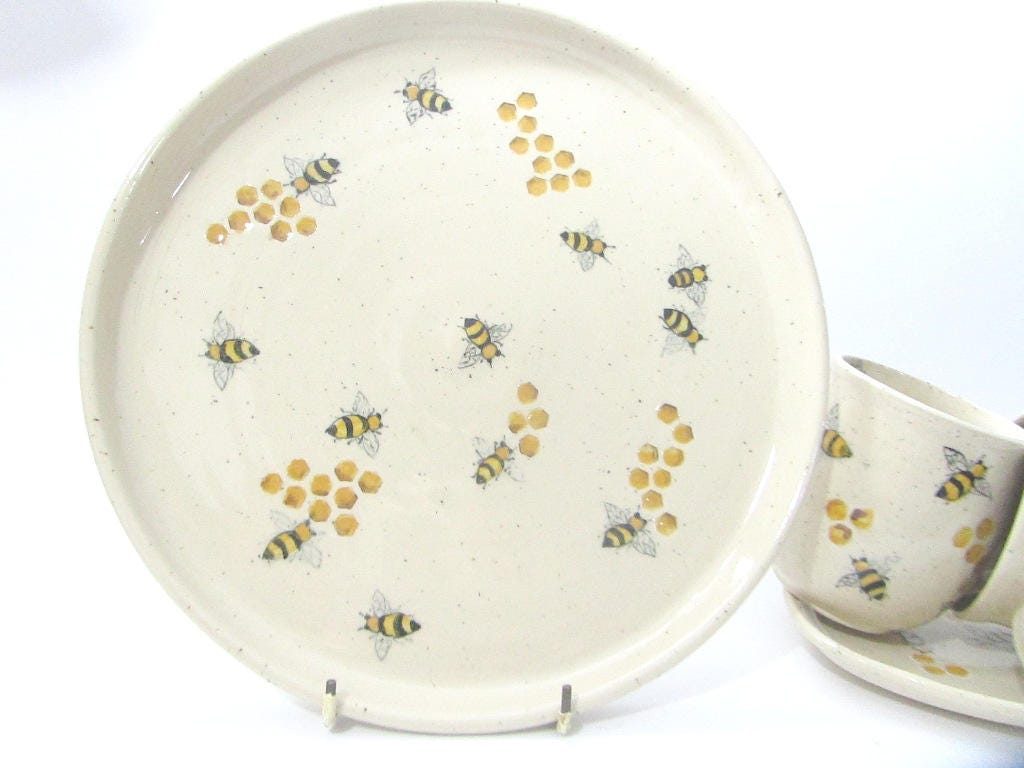 Bee Plate Large Ceramic Serving Platter Cake