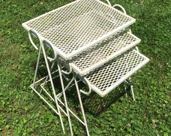 Vintage Antique White Retro Mid Century Mesh Patio Side Accent Nesting Tables  Outdoor Porch
