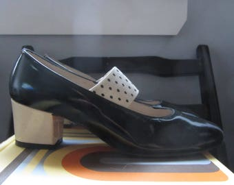 1960s black and ivory mary janes | 60's Mod