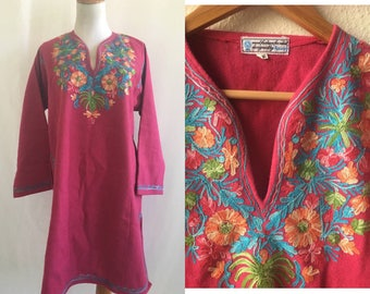 vintage 60's INDIAN PSYCHEDELIC wool DRESS - medium, tunic, embroidered, pink