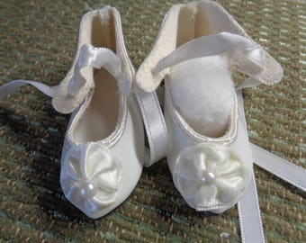 Vintage Doll Shoes- C1900- Doll Shoes- Ladys Doll Slippers