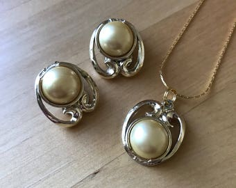 Vintage 1960s Earring and Pendant Set Faux Pearl Patent Number