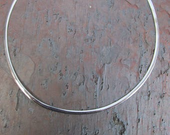 """10 KT White & Yellow Reversible Gold Omega Collar Necklace 4 MM Adjustable 16""""~19"""" NEW"""