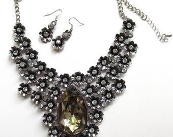 1990s vintage bohemian flowers jewel necklace earring set