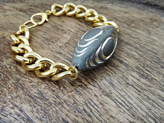 "Chained "" ALIEN "" Bracelet • Acrylic Bead • Gold plated aluminum • Layered Bracelets • Handmade Stacked Bracelets"