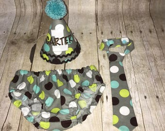 Boys Cake Smash Set -Dots on Gray - Diaper Cover, Tie & Birthday Hat - Birthday Outfit