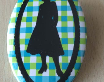 badge / brooch vintage silhouette fashion 01