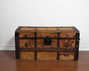 Antique Wood Chest / Rugged Primitive Rustic Wood Storage Trunk / Cottage  Cabin Decor