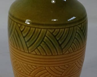 R.Ransbottom USA - 8 inch Vase - Roseville, Ohio - American art pottery - Arts and Crafts - Signed - Golden Yellow - Geometric Design