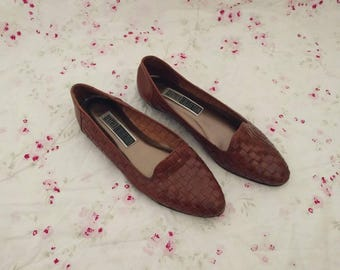 The Leather Collection Woven Loafers (10). Woven Loafers. Loafers. Vintage Loafers. Vintage Shoes.