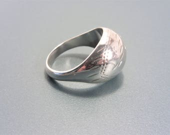 Vintage Etched Sterling Dome Ring Size 9