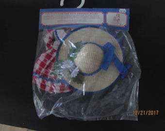 Vanderbear Wear Picnic Collection #4234 / 4239 Costume by Odl Bauer with hat for Muffy.