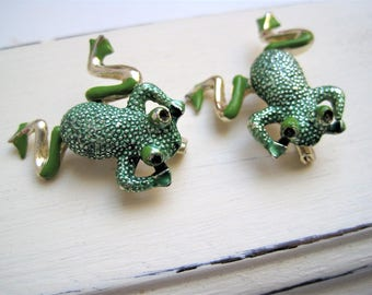 Vintage Frog Pin Set with Movable Legs / Figural Animal Brooch Pair / Green Frog Toad