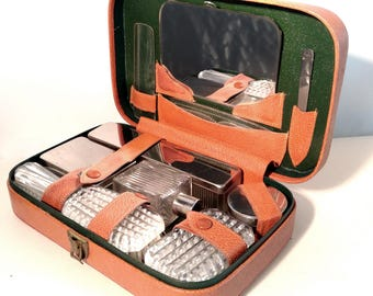 1950s 1960s Men's Shaving Grooming Kit. Gent's Vanity Travel Set. Vintage TanLeather Case, Chrome & Perspex. Mid 20th Century Retro Luggage