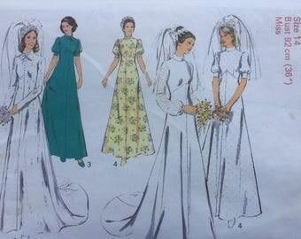 "Style 4981 Wedding Dress Pattern, 1970s Vintage Pattern, Size 14, Bust 36"" Uncut, Factory Folded"