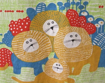 2 yrds 60's-70's House N Home Lion/Cat fabric/curtains Novelty childrens decor