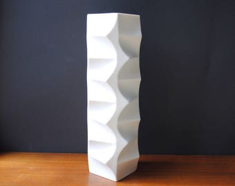 Vintage * 1960s HUTSCHENREUTHER Heinrich Fuchs * German Bisque Porcelain Vase ARCHAIS * white * OP-Art * matt 3D Relief * Mid Century Modern