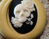 Cameo cabochon skull and roses Silicone push mold for resin, polymer clay, sugar craft- food safe, non toxic