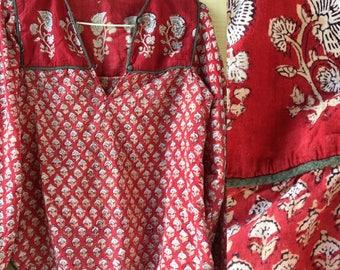 XS/S 70s Indian cotton blouse top yoke bib Anokhi India 1970s XS S M extra small medium hand blocked block print floral traditional thin