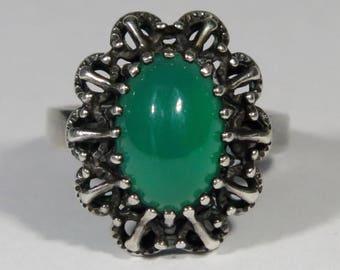 Vintage Art Deco/Retro Era 835 Silver Chrysoprase Solitaire Ring