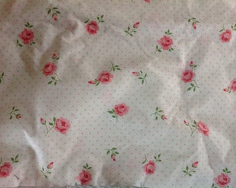 Vintage lonely pillowcase....Cannon Monticello.....70s.....pink roses and dots