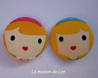 2 32mm buttons covered with fabric, doll heads folk art girls