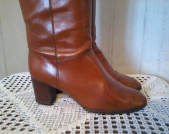 Gorgeous pair of leather boots size 38 years 1990 in very good condition
