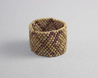 Toho bead wide ring