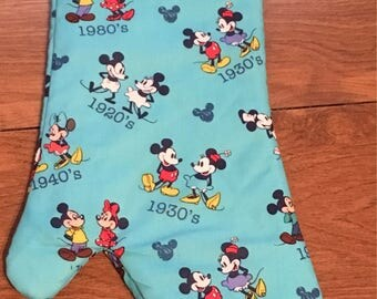 Mickey And Minnie Mouse Mitt