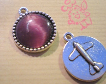 1 silver medallion with purple clear 18 mm cabochon