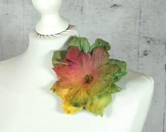 Flower brooch, felted brooch, felted flower Feltmondo