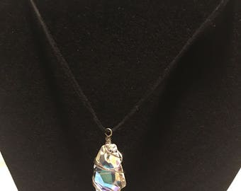 Gem pendant with a leather necklace
