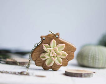 Succulent necklace. Wooden necklace with succulents. Woodland Necklace.  Succulent jewelry. Wooden pendant with succulents. Shell necklace.