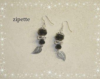 Boucles d'oreilles perles noires et feuilles