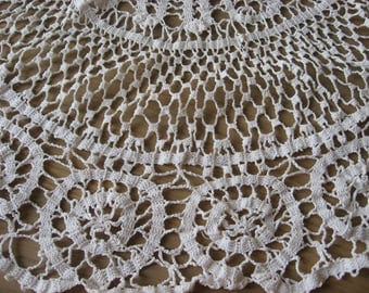 French Bobbin Lace Doily, large round 64cm / 25in, white hand made center piece. Quality vintage cotton thread. Pillow cover craft project