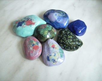 5 glazed ceramic stones, set