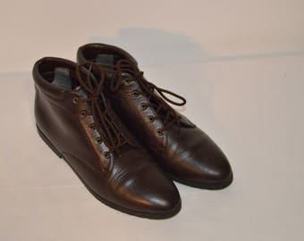 Women Size 8 1/2 Vintage Danexx 80s Brown Ankle Boots