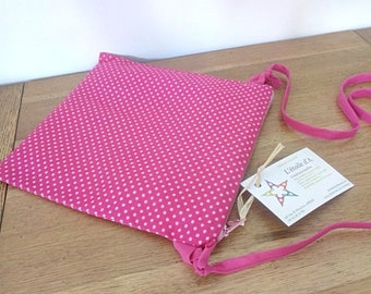 Waterproof pouch for pool printed fuchsia dots