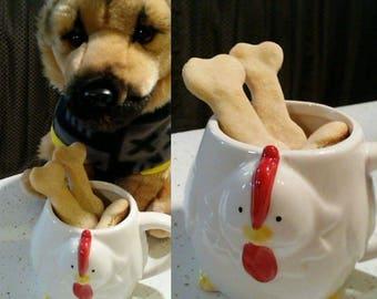 Chicken flavor dog biscuit treats