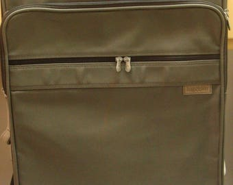 Vintage Briggs and Riley Olive Green Ballistic Nylon Rolling Suitcase Garment Bag 28 Inch Large Upright Rolling Suitcase Soft Case
