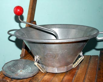 Vintage French large hand turn vegetable/food mill, greater, slicer, blender. Moulin Legumes. Made in France Brevete SCDC 4
