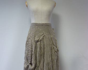 Exceptional taupe artsy skirt, L size. Made of pure linen.